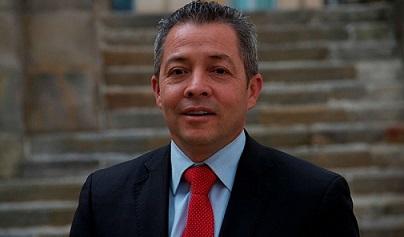 Los $500 millones que tienen en líos al congresista Luciano Grisales Londoño