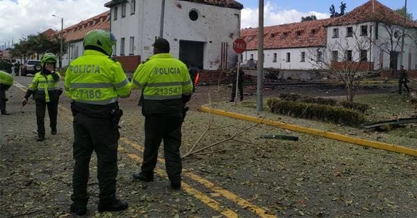 Abren investigación disciplinaria a generales de la Policía por atentado a la General Santander