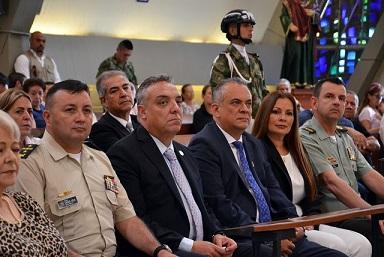 ''Trabajando unidos atenderemos la deuda social con los armenios y quindianos'': Alcalde