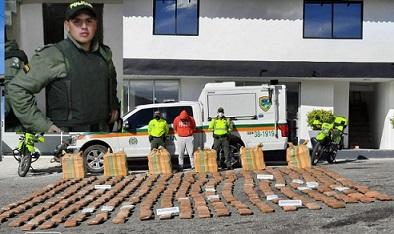 Capturan a Excomandante de Policía de La Tebaida, Quindío, conducía tractocamión que transportaba más de 500 kilos de Marihuana