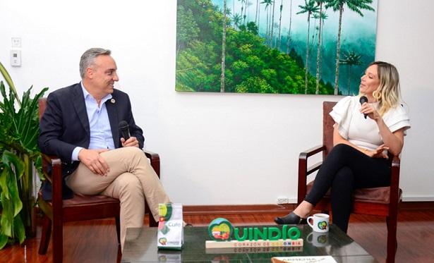 Gobernador del Quindío en dialogo con la hija de Carlos Lehder