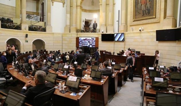 Senado aprueba en Colombia alivio de deudas de emisoras y canales comunitarios