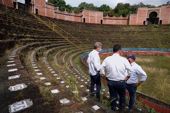 Plaza de Toros de Armenia se convertirá en un megavivero y aviario