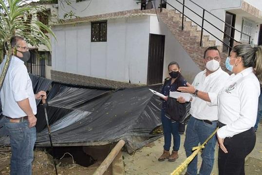 Geólogos de CRQ monitorean permanentemente el Barrio 'Medio Ambiente' de Circasia tras perdida de talud