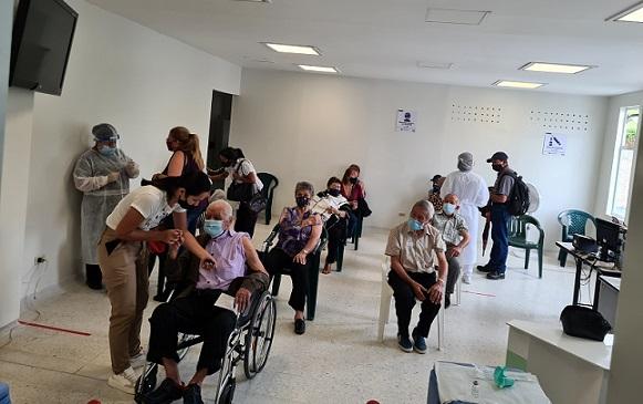 En Armenia, Quindío, no se han cancelado citas para segundas dosis de COVID-19; hay disponibles 3.500 vacunas