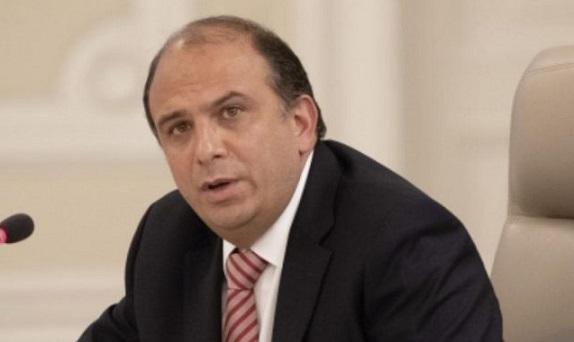 Denuncian al defensor del Pueblo Carlos Camargo por entregar contratos y puestos a simpatizantes políticos