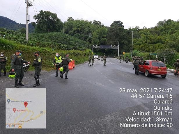 Desde el Puesto de Mando Unificado se logró desbloqueo pacífico del paso vía la Línea sector Versalles en Calarcá, Quindío