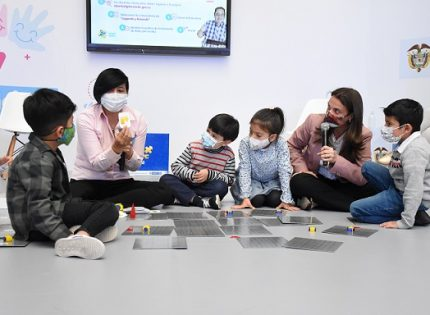 En el Quindío se beneficiarán 23 establecimientos educativos en 'pensamiento computacional desconectado'