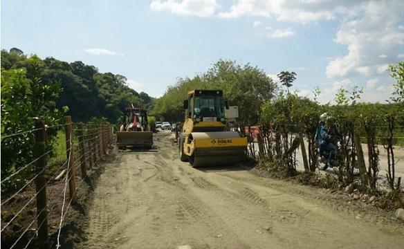 Adición presupuestal garantiza la continuidad de obras en la vía La Española, Río Verde y Barragán en el Quindío