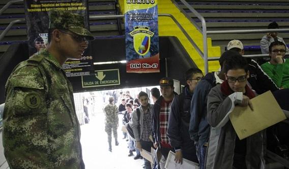 Libreta militar no debe ser exigida a jóvenes colombianos para acceder a un primer empleo