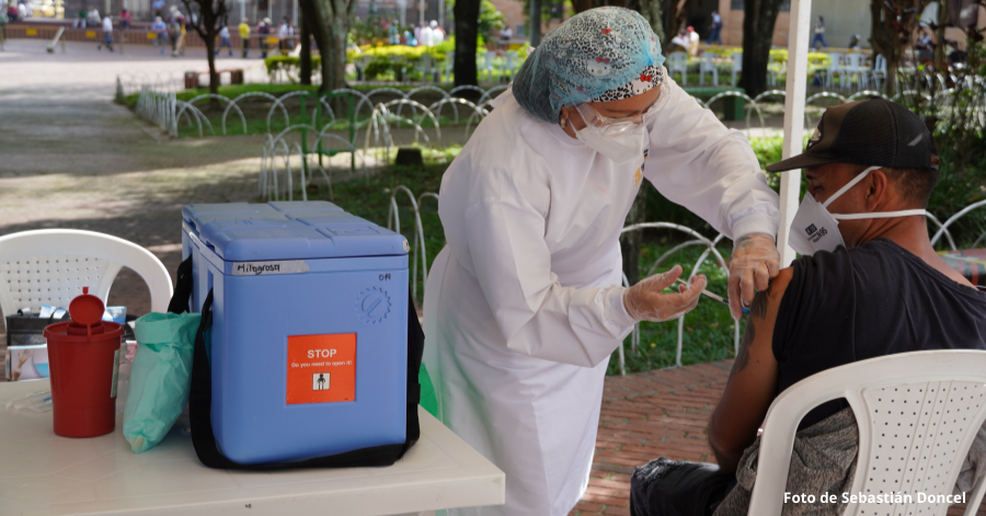La vacunación masiva es clave ante un eventual cuarto pico de la pandemia